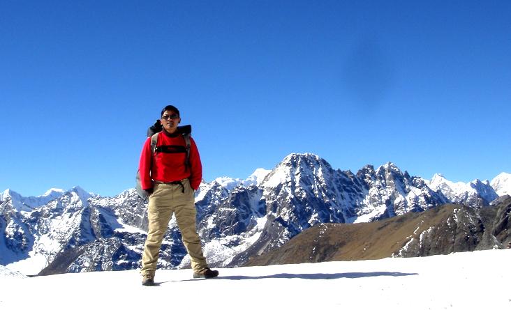 3 pass trekking