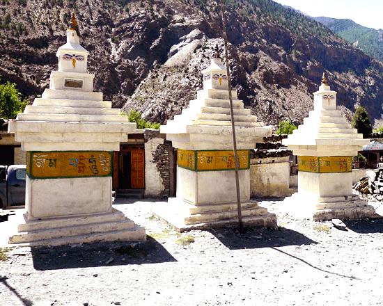 Marpha village pray Mani