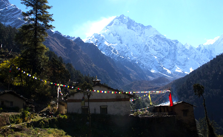 Manaslu Tsum Valley Circuit Trek
