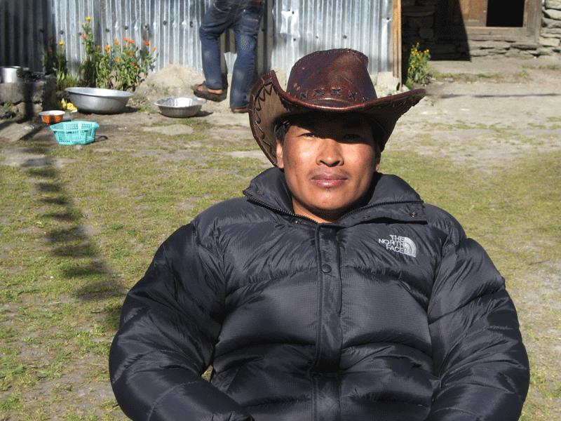 manaslu local guide