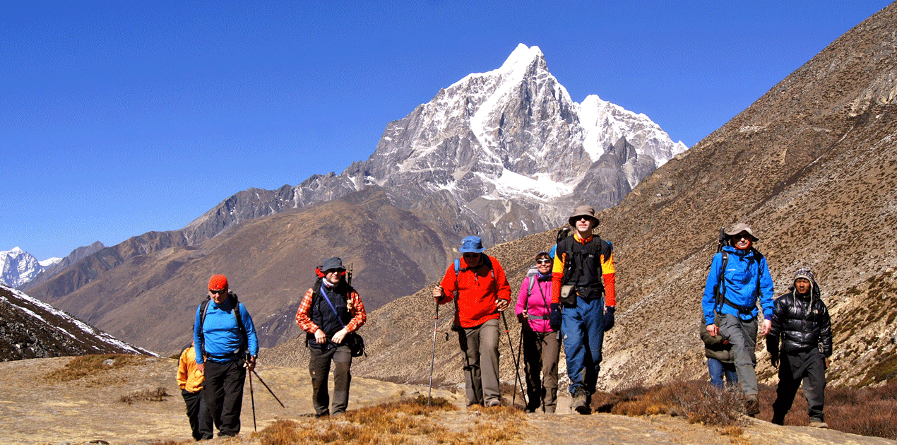 Dhingboche to Lobuche with German Group