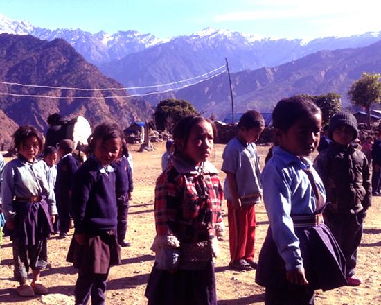 Volunteer trekking tour