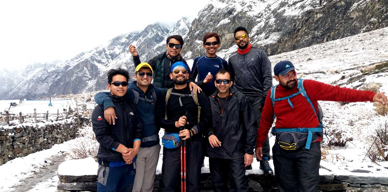 group photo in langtang