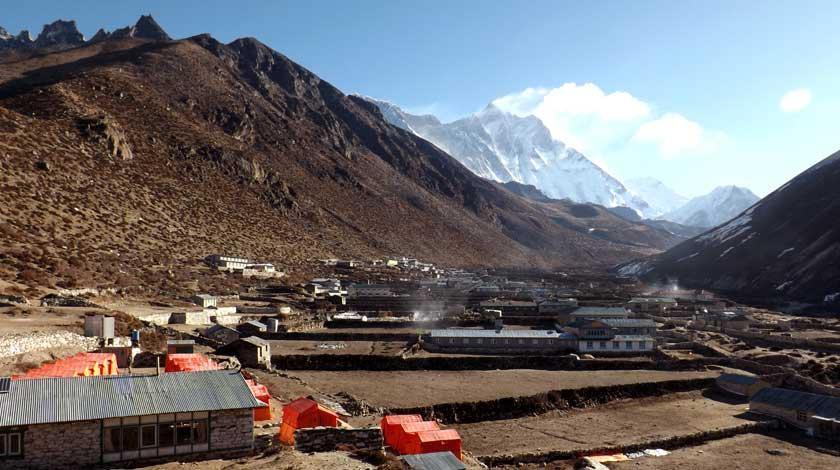 dingboche village