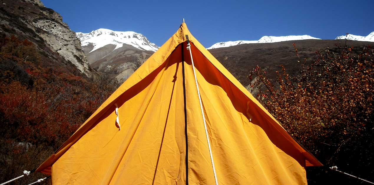 Pisang peak high camp